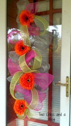 Easy Wire Mesh Door Decor