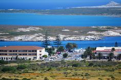 Langebaan Mid Town - road leading down to the main kite surfing beach. Variety of coffee shops and eateries such as Pearlys at the beach. #langebaan Lagoon #pearlys #kitesurfing