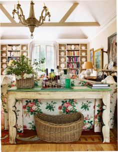 Cool Chic Style Fashion: Interiors | British Design : Nicky Haslam Holly Grandeur