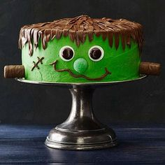 The 5 Easiest Halloween Cakes Ever | Family Circle