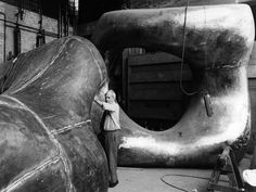 henry moore ~ large two forms, 1966 .. see also https://www.gagosian.com/artists/henry-moore/selected-works