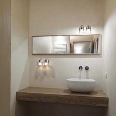 Le luminaire salle de bains IP S7 se dénote avec son globe en verre. Disponible en deux coloris (chrome et acier brossé), cette applique est idéale pour une salle de bain, mais également une cuisine ou un salon. Elle respecte la norme IP44 et supporte donc parfaitement l'humidité modérée. Ronde et discrète, cette applique éclairera tout en douceur votre pièce.