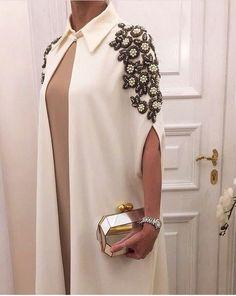 Nice white cape with glam accessories – Hijab Fashion Abaya Fashion, Modest Fashion, Fashion Dresses, Maxi Dresses, Fashion Cape, Casual Dresses, Wedding Dresses, Mode Abaya, Mode Hijab