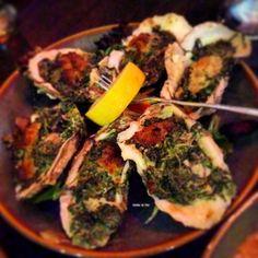Oysters florentine @traders @tradersonsanibel #oysters #spinach #happyhour #islandgirl #bottomsup #cheers #islandlife #beachbum #beachlife #mermaid #sanibelstar #oceanlove #salty #sanibelisland #captivaisland #sanibel #captiva #ftmyersbeach #naples #ftmyers