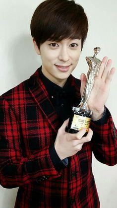 Donghyun leader of boyfriend