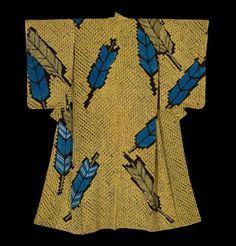 Shibori Kimono.  Taisho period (1912-1926), Japan.  The Kimono Gallery.  A silk shibori kimono featuring large 'yabane' (arrow-feather) motifs of shibori with silk and metallic thread embroidery highlights.