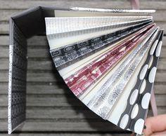 p a p i e r w e r k s t a t t Mini Album Tutorial, Paper Moon, Scrapbook, Book Binding, Big Shot, Book Making, Mini Books, Mini Albums, Paper Art