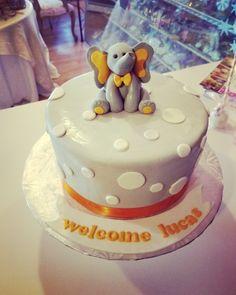 Baby elephant shower cake #carinaedolce www.carinaedolce www.facebook.com/carinaedolce Elephant Baby Showers, Baby Elephant, Baby Shower Cakes, Birthday Cake, Facebook, Desserts, Food, Elephant Baby, Birthday Cakes