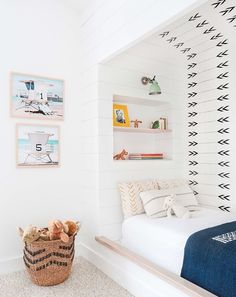 Having this wall as an accent wall  in the hallway or livingroom
