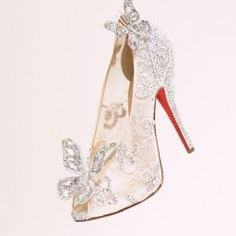 When I was little I was fascinated by the story of Cinderella...  Beautiful shoes!!!...k