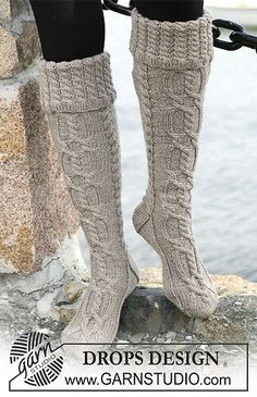 Ravelry: Long socks cable knit boot socks with folded edge. Free knitting pattern by DROPS design Drops Design, Knitting Socks, Free Knitting, Knitting Patterns, Crochet Socks, Cable Knit Socks, Crochet Patterns, Knitted Slippers, Knitting Tutorials