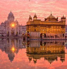 Golden Temple Armritsar, India.