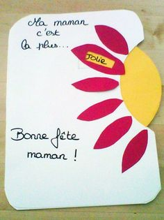 Voici une jolie carte avec un petit disque mobile qui dévoilera les plus belles qualités de maman ! Mothers Day Crafts For Kids, Fathers Day Crafts, Mothers Day Cards, Diy For Kids, Valentines Day Bulletin Board, Ideas Hogar, Mother And Father, Diy Cards, Mobiles