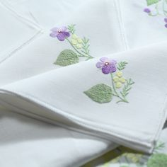 Finest linen hand embroidered tablecloth with viola and mimosa – 12 napkins - 180x300 cm - Cod. A0010