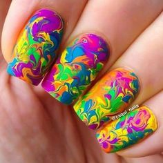 35 Water Marble Nail Art Designs Very colorful and vibrant marble nail art theme in blue, violet, yellow, green and orange colors blended in together to create random shapes. Neon Nails, Love Nails, Diy Nails, Rainbow Nails, Neon Rainbow, Fabulous Nails, Gorgeous Nails, Pretty Nails, Marble Nail Designs