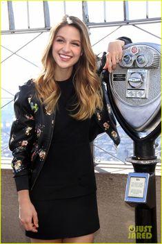 Melissa Benoist Supergirl | Melissa Benoist & Blake Jenner Hold Hands During 'Supergirl' Promo in ...