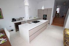 Kitchen extension with kitchen islands