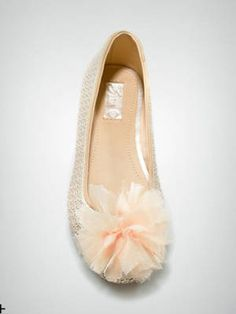 Tulle poms = more ballet class than homecoming game. Graduation Shoes, Tulle Poms, Jeans For Short Women, Little Fashionista, Ballerina Shoes, Zara Kids, New Shoes, Fashion Shoes, Kids Fashion
