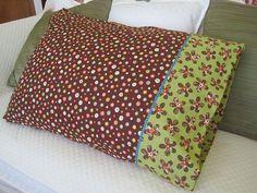 Magical (Burrito) Pillowcase Tutorial (no visible seams)