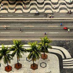 O concurso da Veja Rio promovendo fotos da cidade do Rio através do Instagram.  Essa é a de @alexandrelisboalago. #RiodeJaneiro #Copacabana #Brazil http://modamastigada.com.br/