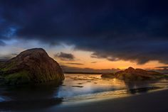 Photograph Sunrise behind the rocks II by Alexandre Herculano Rueda on 500px