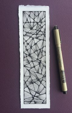Zentangle Bookmark by Keith Climpson - Buch Doodle Art Drawing, Zentangle Drawings, Doodles Zentangles, Zentangle Patterns, Creative Bookmarks, Diy Bookmarks, Diy Collage, Line Doodles, Bookmark Printing