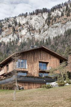 Haus Wiesenhof Characterized By Rustic Simplicity - http://freshome.com/haus-wiesenhof-characterized-by-rustic-simplicity/