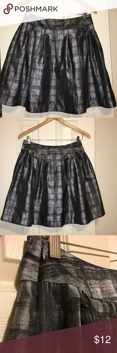 Forever 21 pleated metallic skirt Slightly used skirt from Forever 21's line Love21. Forever 21 Skirts A-Line or Full
