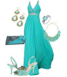 Pretty dress love the flow