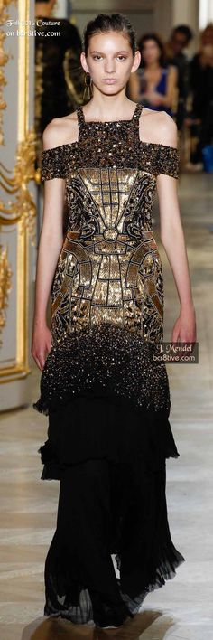 Mendel Fall 2016 Couture Fashion Show Runway Fashion, High Fashion, Fashion Show, Fashion Design, Gold Fashion, Beautiful Gowns, Beautiful Outfits, Beautiful Life, Haute Couture Fashion