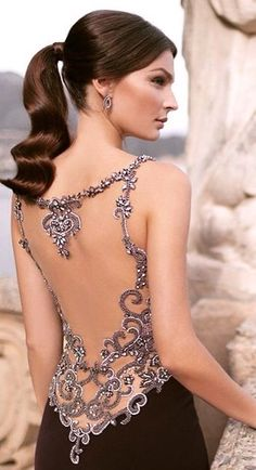 Side evening dress by Tarik Ediz - Evening Dresses Models Dresses Elegant, Fall Dresses, Pretty Dresses, Sexy Dresses, Prom Dresses, Formal Dresses, Beautiful Gowns, Beautiful Outfits, Beautiful Beautiful