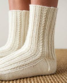 Toe-Up Socks – Knitting Socks İdeas. Knitting Blogs, Baby Knitting Patterns, Knitting Socks, Hand Knitting, Knit Socks, Debbie Macomber, Laine Rowan, Toe Up Socks, Purl Soho