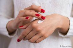 Mãos envelhecidas: saiba como devem ser os cuidados antienvelhecimento para deixá-las com aspecto jovem