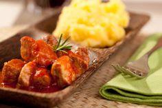 Spezzatino di carni miste con polenta http://www.moliselive.com/2016/01/spezzatino-di-carni-miste-con-polenta.html
