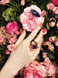 Diamond Jewelry Trends and Boho Jewelry Photography. Jewelry Ads, Jewelry Model, Photo Jewelry, Luxury Jewelry, Jewelry Trends, Vintage Jewelry, Jewelry Design, Teen Jewelry, Jewelry Logo