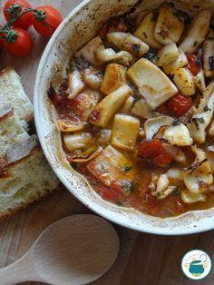 Seppie al forno con pomodorini e aromi Italian Dishes, Italian Recipes, Recipe Mix, Cheeseburger Chowder, Seafood Recipes, Thai Red Curry, Chili, Good Food, Soup