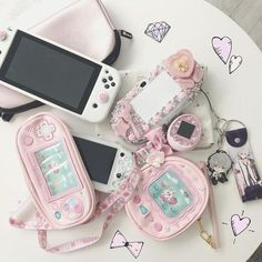 All pink and white. I wish I had another pink pouch for my second Vita but can't seem to find an appropriate one so far. Nintendo Switch Accessories, Gaming Accessories, Nintendo Switch Games, Nintendo Ds, Kawaii Games, Pink Games, Kawaii Bedroom, Otaku Room, Gaming Room Setup
