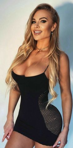Curvy Girl Outfits, Sexy Outfits, Sexy Dresses, Mädchen In Bikinis, Musa Fitness, Curvy Women Fashion, Blonde Beauty, Hot Blondes, Beauty Full Girl