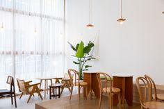 상업공간 전문 인테리어 - AROUND30 INTERIOR DESIGN Tea Restaurant, Coffee Shop, Interior, Furniture, Home Decor, Coffee Shops, Coffeehouse, Decoration Home, Indoor