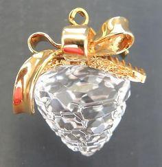 Swarovski Crystal Christmas Memories Pine Cone * 9443000009 * Orig Box Swarovski Ornaments, Swarovski Crystals, Pine Cones, Perfume Bottles, Memories, Box, Christmas, Memoirs, Xmas