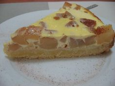 A slice like dessert that can be made with apples, plums, pears and peaches. Good Food, Yummy Food, Choux Pastry, Food Photo, Sour Cream, Baked Goods, Cooking Recipes, Easy Recipes, Easy Meals