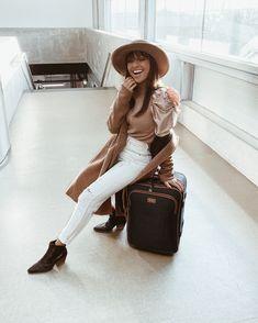 Best shoes take you to best trips! ✈️ @beassilva  #trip #friday #weekengtrip #travel #wanted #shoeaddict #wearechanging #eurekashoes #madeinportugal #handmadeshoes #fashionisfun #stylegoals #localhandmade