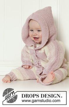 Gestrickter Einteiler für Babys mit Kapuze mit Krausrippen in 2 Fäden DROPS Alpaca. Größe 0 - 4 Jahre.