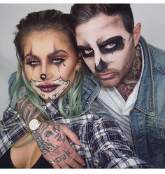 Rock your eerie and attention-grabbing Halloween makeup this season. Check out brilliant Halloween makeup ideas here &choose some quirky face makeup. Ghost Makeup, Clown Makeup, Scary Makeup, Costume Makeup, Halloween Face Makeup, Skull Makeup, Clown Halloween Costumes, Halloween Inspo, Halloween Looks