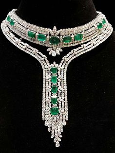 Diamond Necklace Shine on, you crazy diamonds! Emerald and diamond necklace. Looks like something… Emerald Jewelry, Gems Jewelry, Diamond Jewelry, Fine Jewelry, Jewelry Necklaces, Jewlery, Antique Jewelry, Vintage Jewelry, Diamond Pendant Necklace