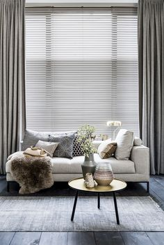The Undeniable Reality About Modern All White Living Room Decor - tophomedecore Modern Home Interior Design, Luxury Homes Interior, Living Room Decor, Living Spaces, Diy Zimmer, Interior Windows, Curtains With Blinds, Minimalist Home, Home And Living