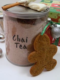 Chai Tea Mix: food for my affection. Great homemade gift idea for the tea lover. Homemade Chai Tea, Homemade Gifts, Christmas Hamper, Christmas Gifts, Xmas Hampers, Coffee Milkshake, Thai Tea, Tea Latte, Food Humor