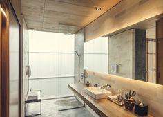 Tropical Brutalism: The Slow Hotel Interior, Canggu, Bali – Design. Balinesisches Bad, Balinese Bathroom, Casa Cook Hotel, Hotel Interiors, Bathroom Interior, Bathroom Inspo, Luxury Hotel Bathroom, Hotel Bathrooms, Bathroom Designs