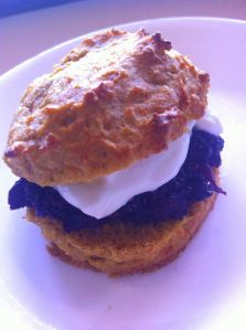 Carrot cake scones with chia jam and yoghurt1-001