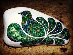 . Seashell Painting, Peacock Painting, Dot Art Painting, Rock Painting Designs, Mandala Painting, Pebble Painting, Pebble Art, Stone Painting, Mandala Painted Rocks
